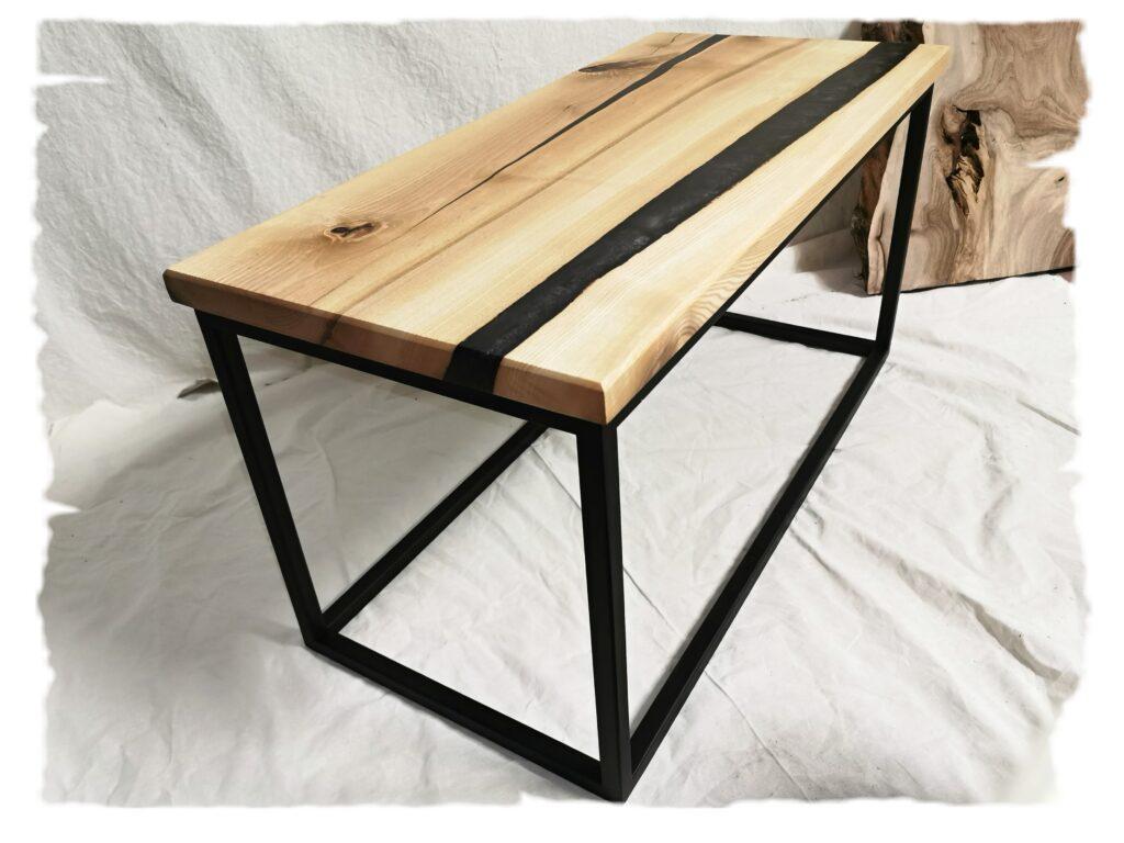Konferenční stolek z jasanového dřeva